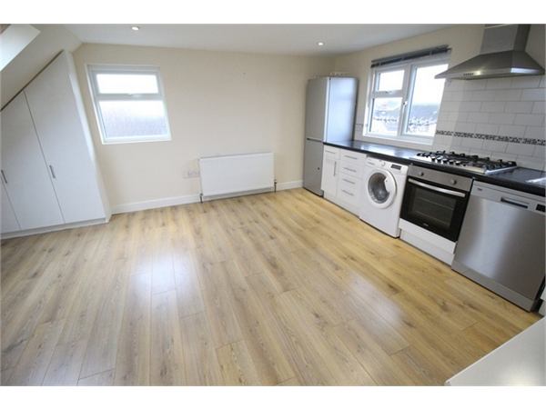 Property & Flats to rent with ABC Estates Ltd (Hendon) L2L619-3389