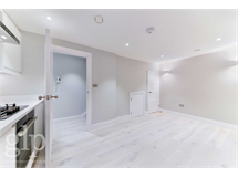 1 Bed Flats And Apartments in Piccadilly property L2L62-1140