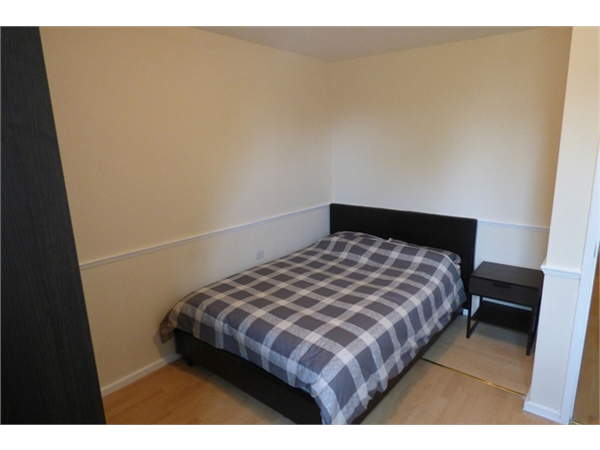 Property & Flats to rent with Hunter & Bloomfield L2L623-907