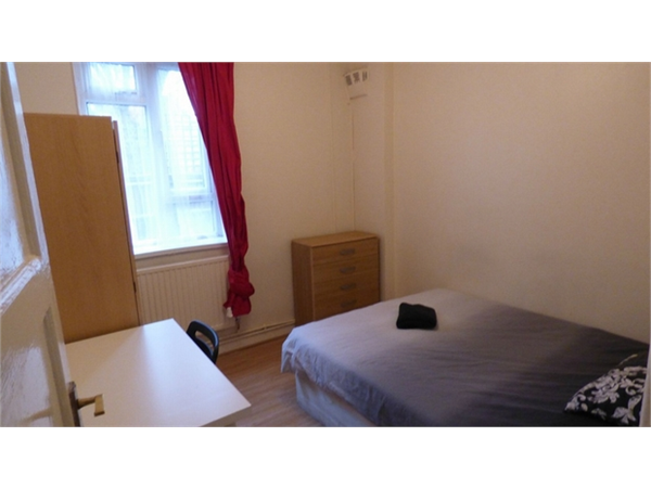 Property & Flats to rent with Hunter & Bloomfield L2L623-782