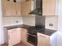 2 Bed Flats And Apartments in Woodside property L2L70-235