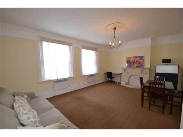 Property & Flats to rent with Direct Residential Lettings (Epsom) L2L72-557