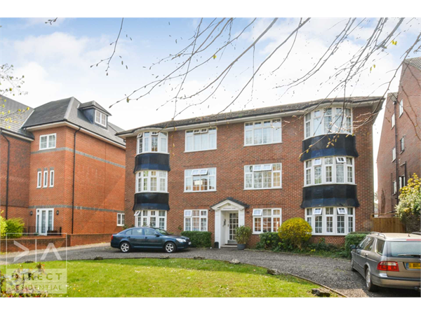 Property & Flats to rent with Direct Residential Lettings (Epsom) L2L72-581