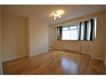 2 Bed Flats And Apartments in Edgwarebury property L2L730-100