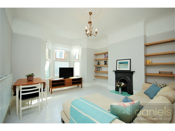 Property & Flats to rent with Daniels Estate Agents (Kensal Rise) L2L731-1477