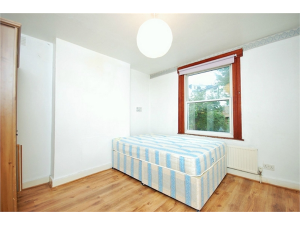 Property & Flats to rent with Daniels Estate Agents (Kensal Rise) L2L731-1245