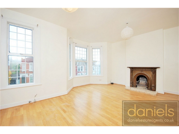 Property & Flats to rent with Daniels Estate Agents (Kensal Rise) L2L731-676
