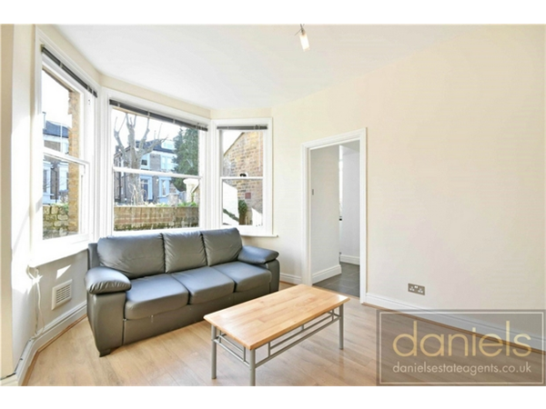 Property & Flats to rent with Daniels Estate Agents (Kensal Rise) L2L731-375