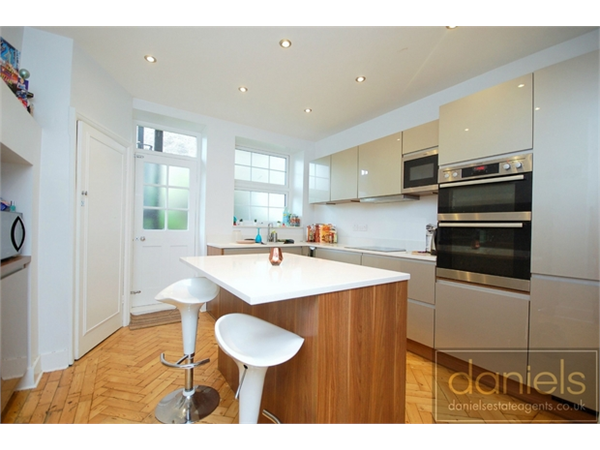 Property & Flats to rent with Daniels Estate Agents (Kensal Rise) L2L731-100