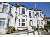 1 Bed Flats And Apartments in Belvedere property L2L76-475