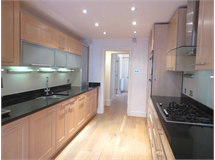 5 Bed House in Queens Gate property L2L82-958