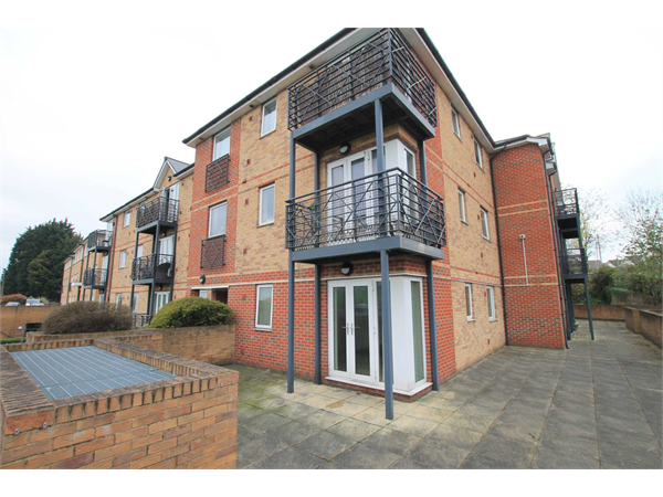 Property & Flats to rent with Fairfield Estates (Bushy Mill Lane) L2L83-429