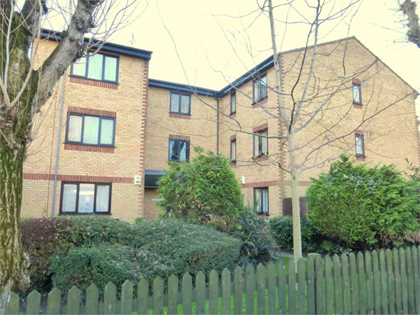 Property & Flats to rent with Fairfield Estates (Bushy Mill Lane) L2L83-551