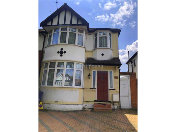 Property & Flats to rent with Knight Young & Co (Ealing) L2L88-280