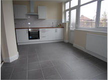 4 Bed House in Ponders End property L2L9030-375