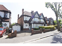5 Bed House in West Twyford property L2L9034-4408