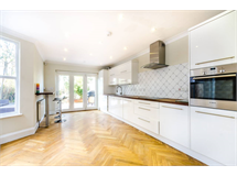 3 Bed House in New Beckenham property L2L9629-477