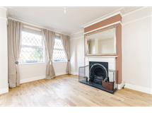 4 Bed House in Beckenham property L2L9629-471