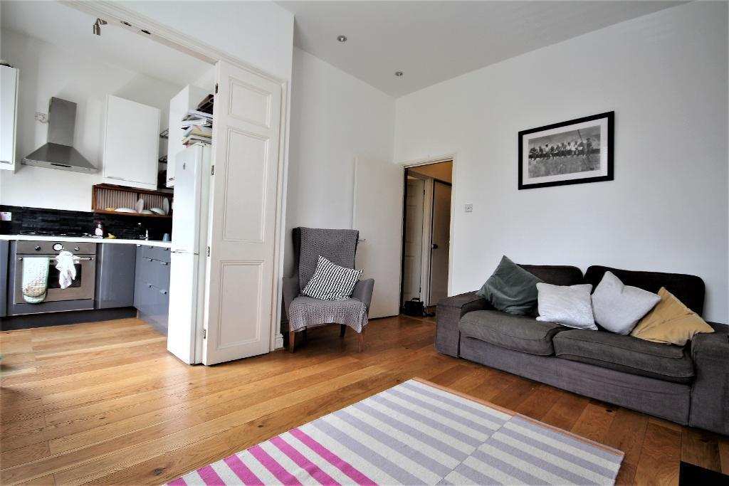 London Rental Property L2L101-909