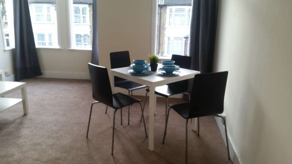 Flats And Apartments To Rent In Plaistow L2L107-420