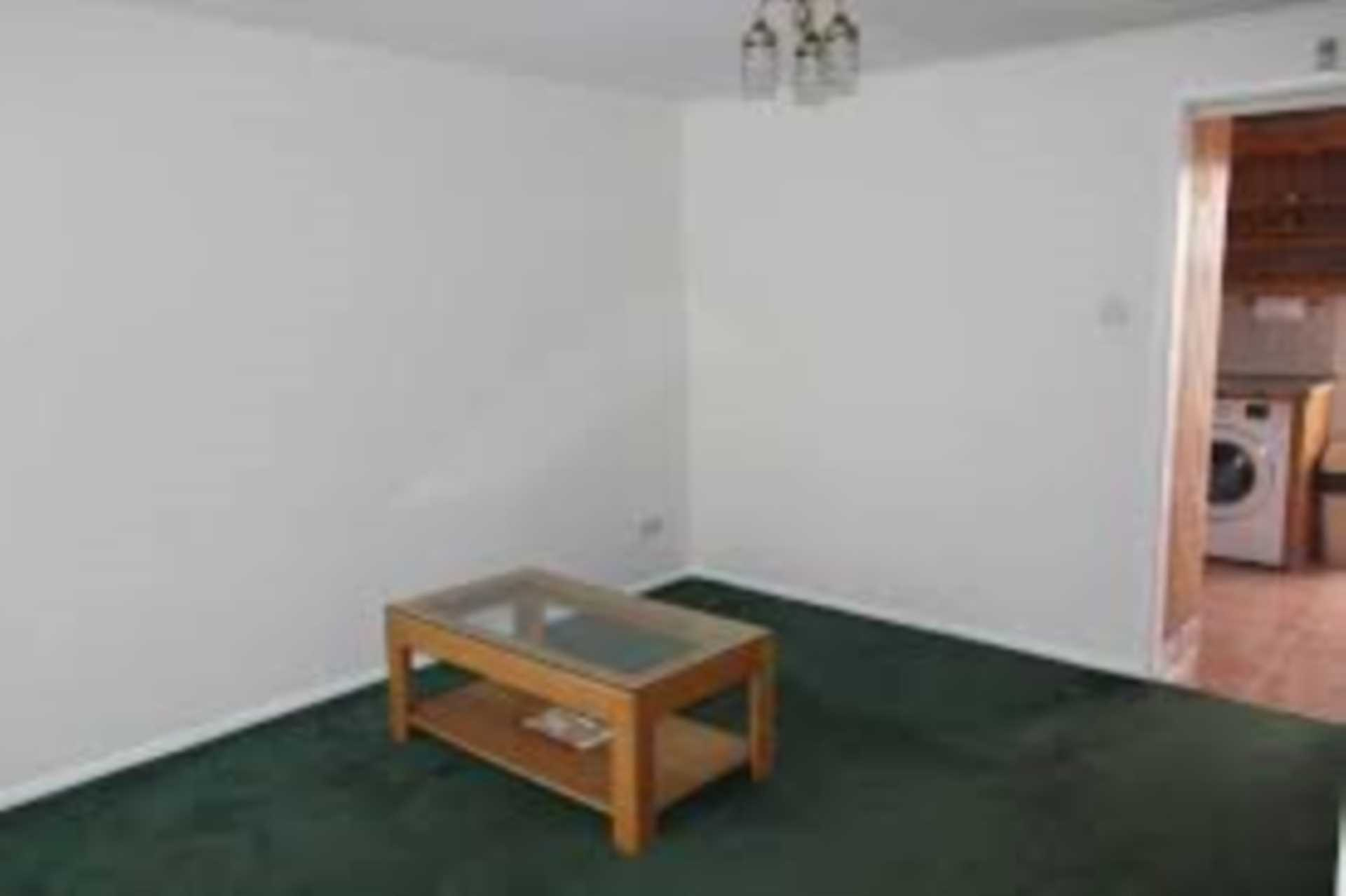 House To Rent In Canning Town L2L107-723