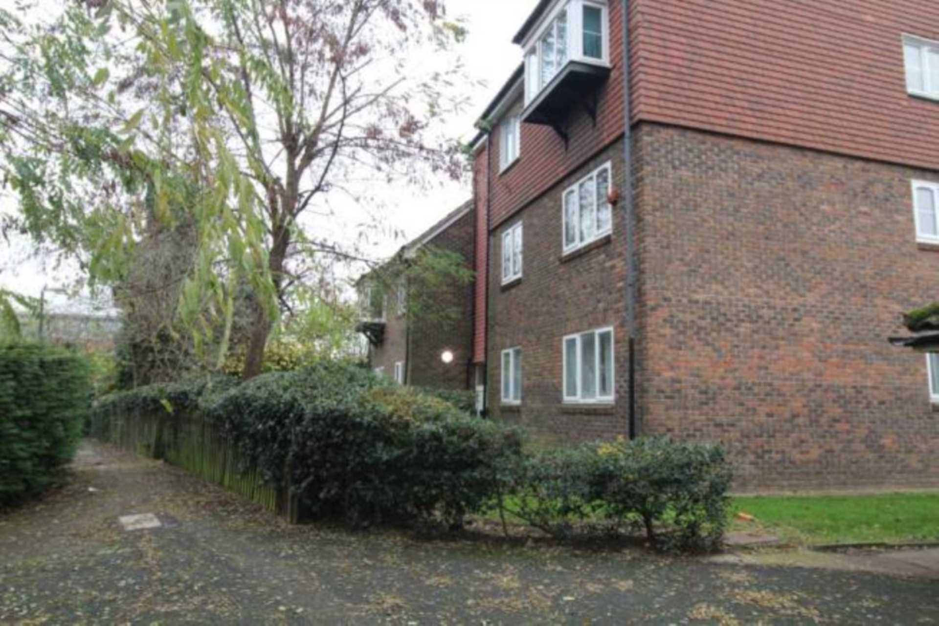 Property To Rent In London L2L107-734