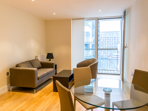 Property & Flats to rent with Benham and Reeves  (Canary Wharf) L2L1076-223