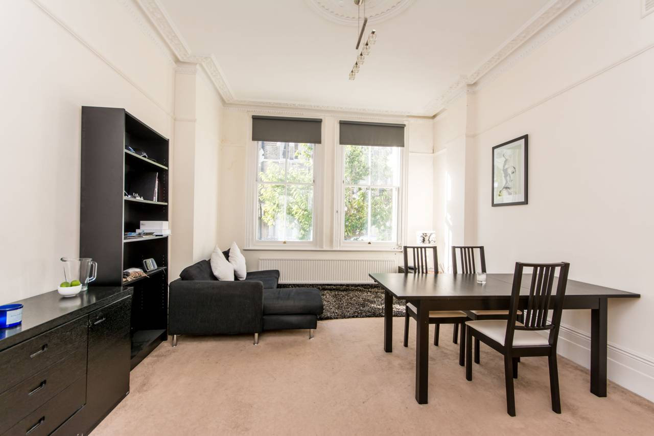Property & Flats to rent with Foxtons (Shepherds Bush) L2L1088-1343