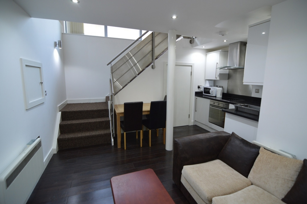 House To Rent In London L2L1110-426