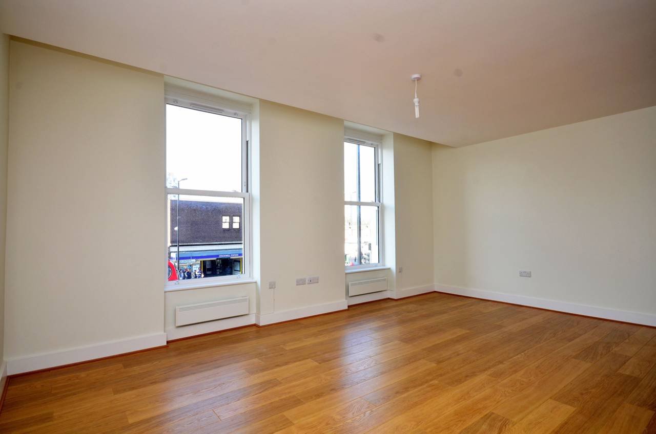 Property & Flats to rent with Foxtons (Brixton) L2L1200-999