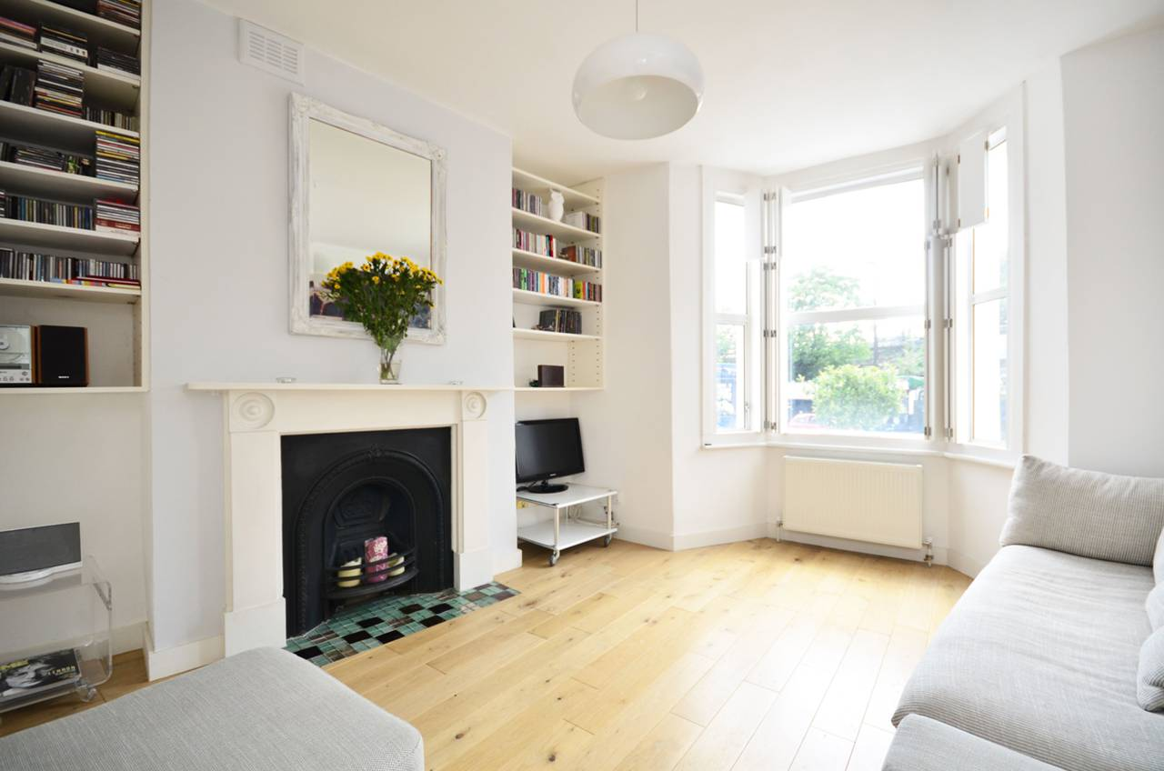 Property & Flats to rent with Foxtons (Brixton) L2L1200-1043