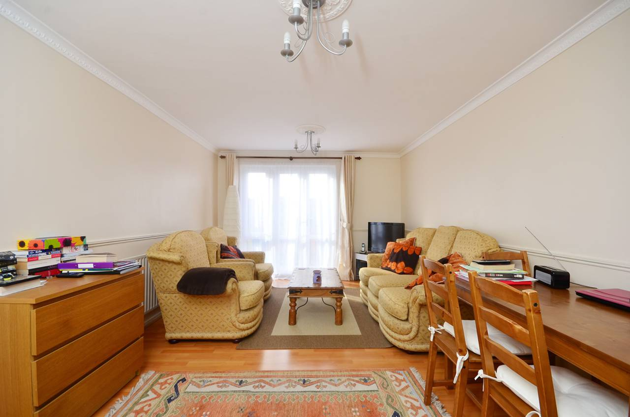 Property & Flats to rent with Foxtons (Brixton) L2L1200-1047