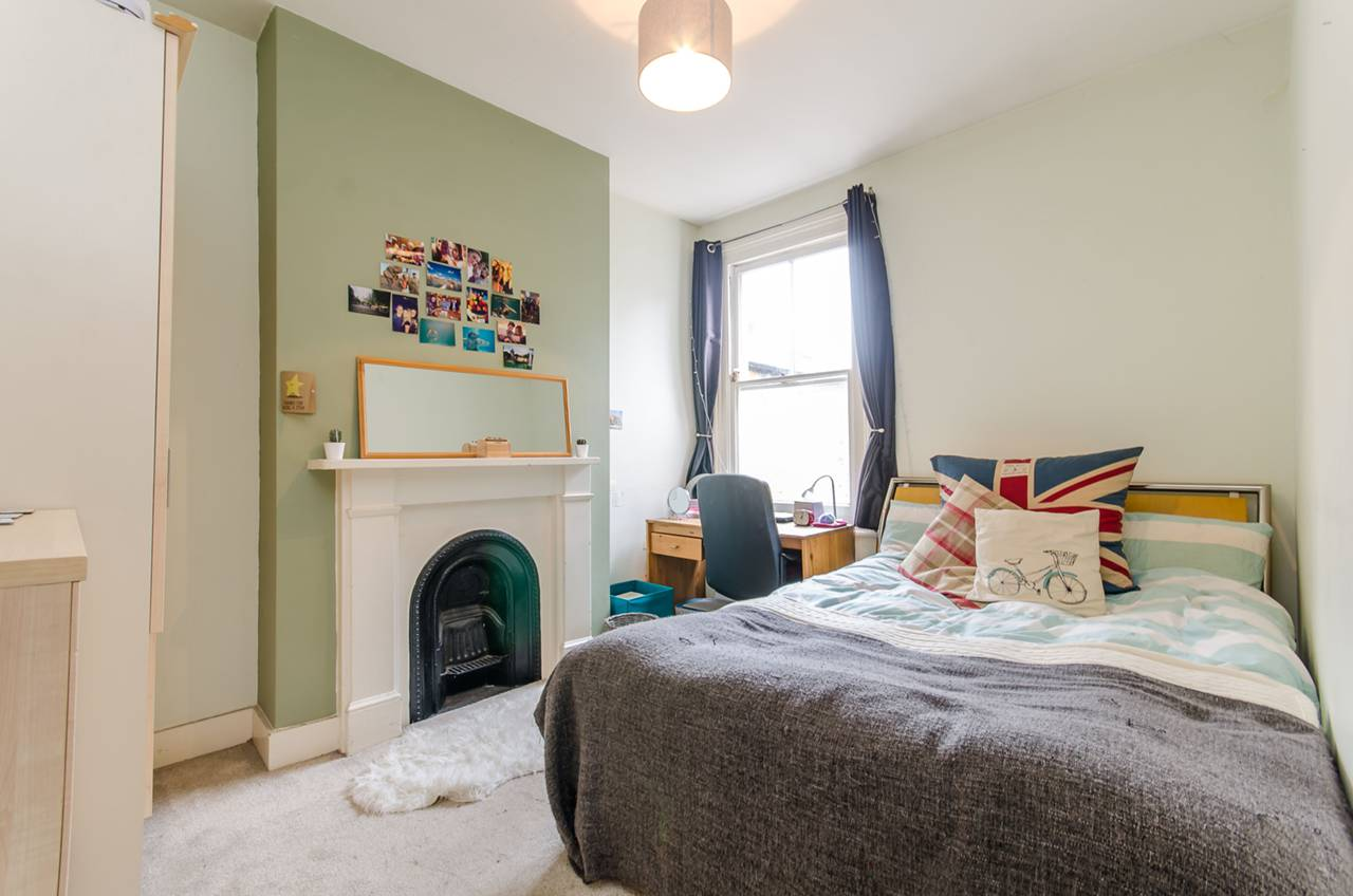 Property & Flats to rent with Foxtons (Brixton) L2L1200-1044