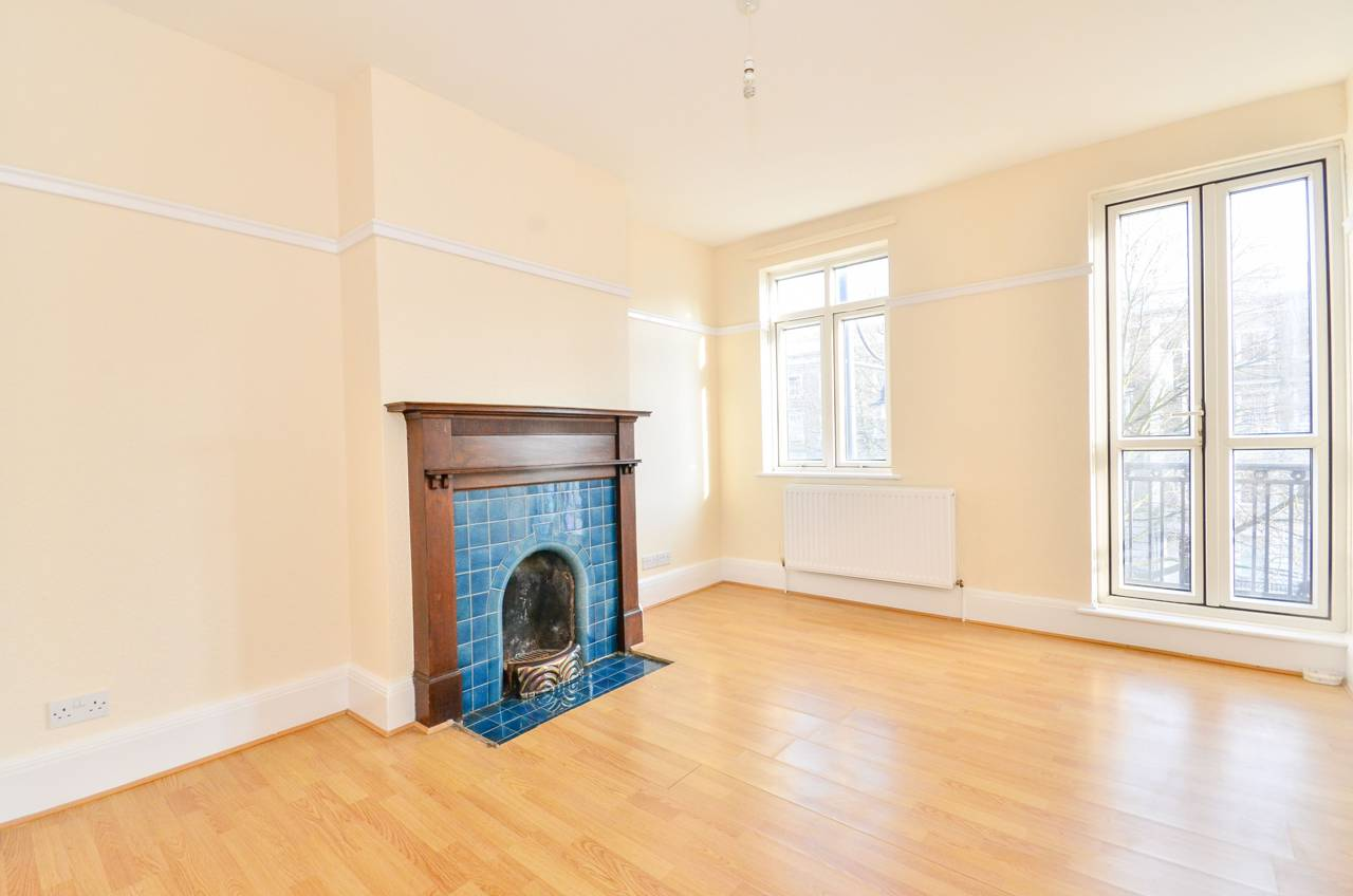 Property & Flats to rent with Foxtons (Brixton) L2L1200-1273