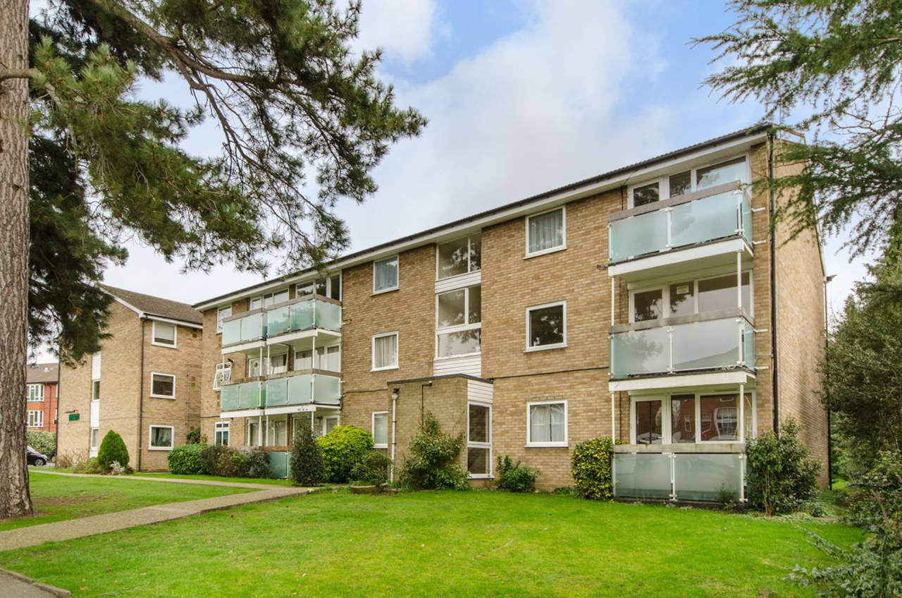 Property & Flats to rent with Foxtons (Enfield) L2L1202-412