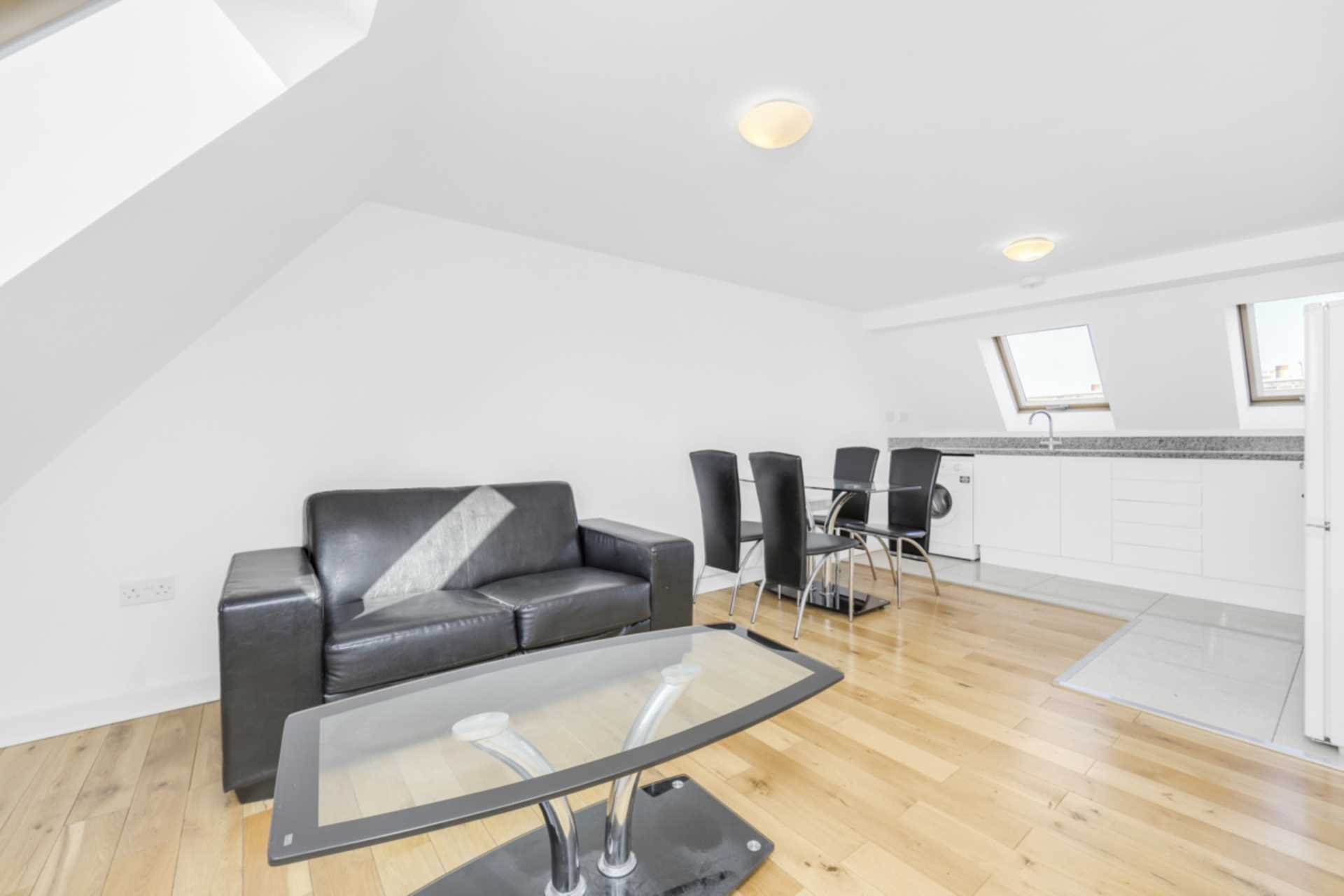 Property To Rent In London L2L128-1440