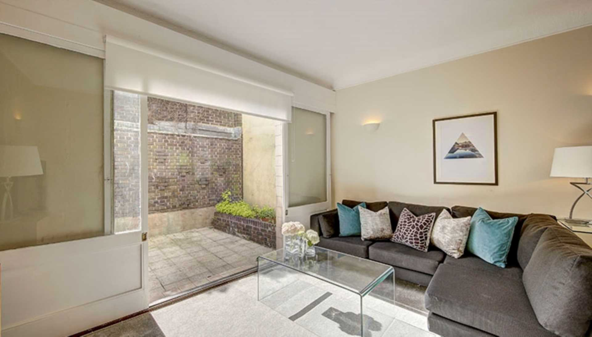 Property To Rent In London L2L128-1571