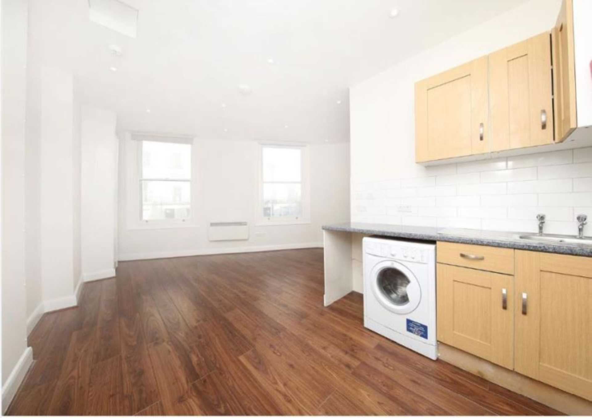 Property To Rent In London L2L128-1760