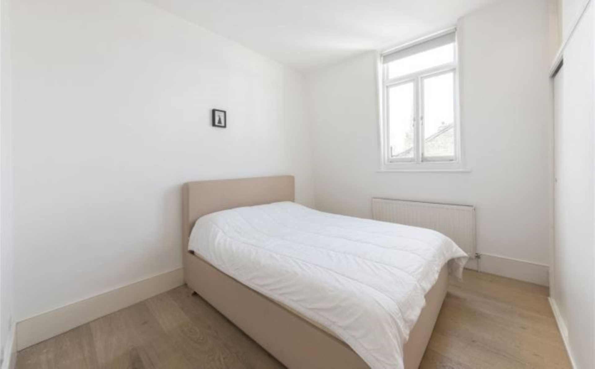 Rent In Worlds End L2L128-1817