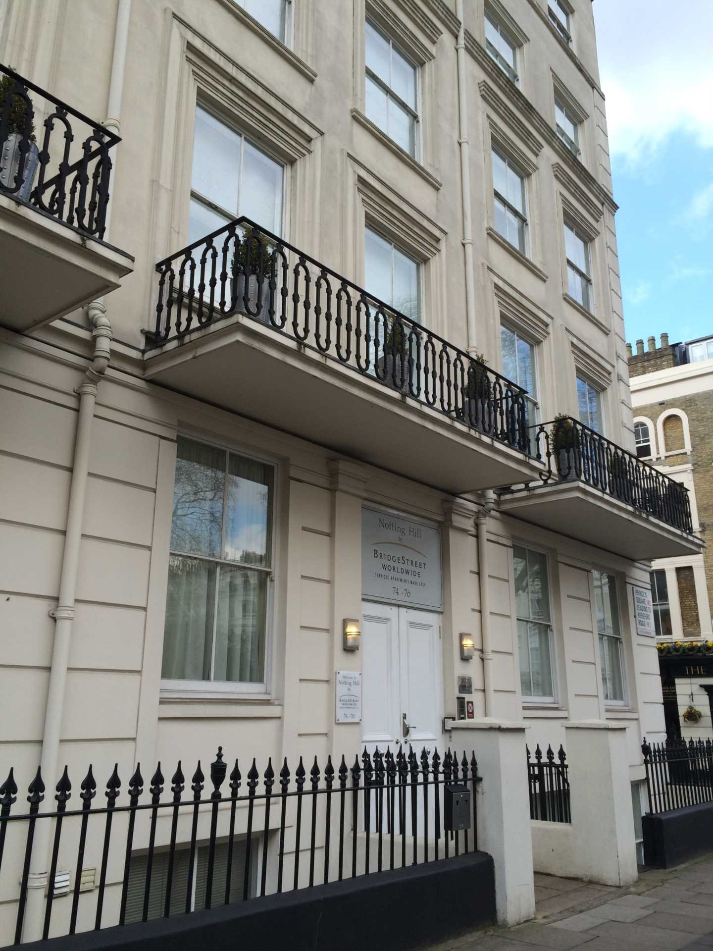 Flats And Apartments To Rent In London L2L128-1208