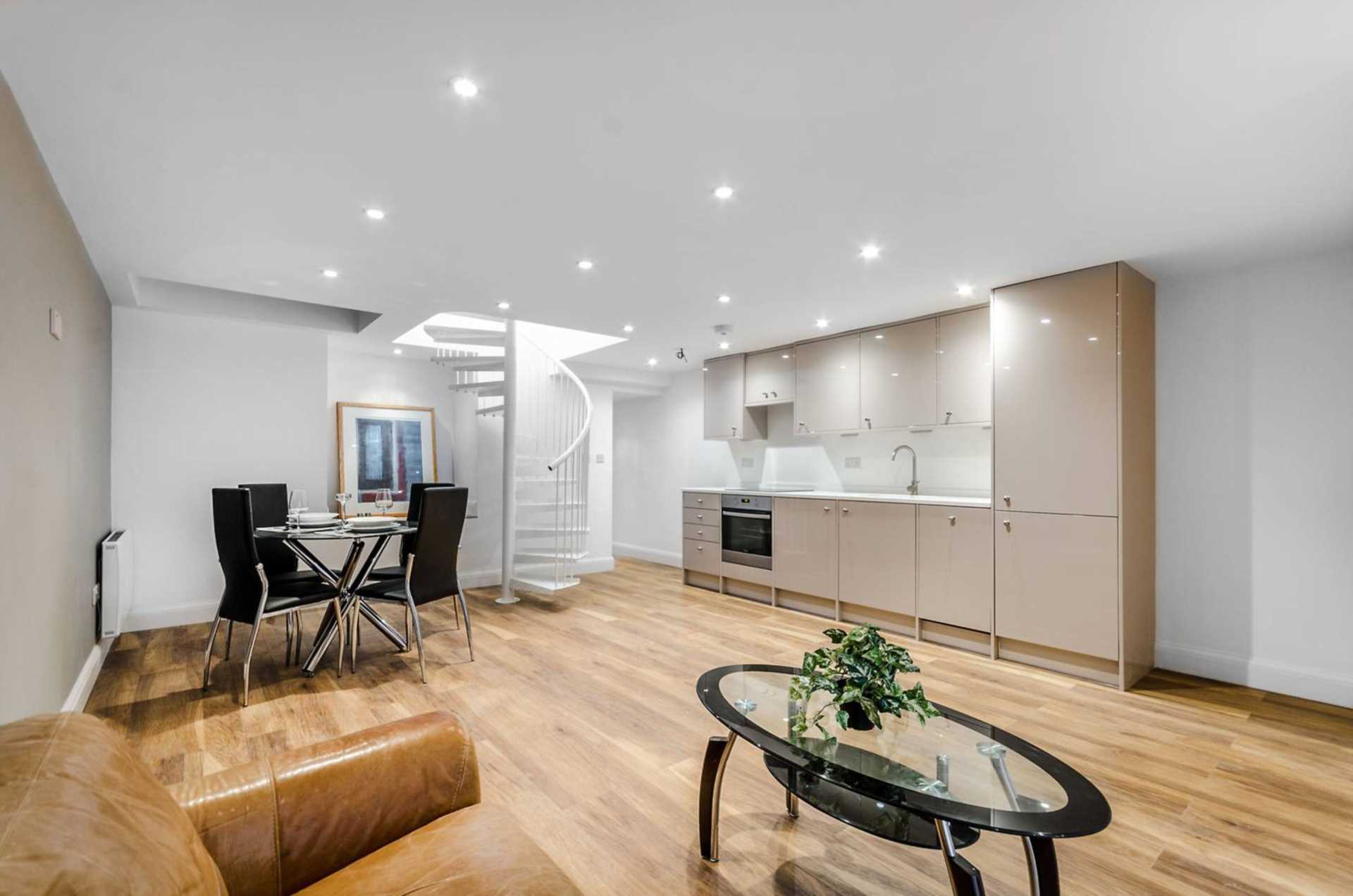 Property To Rent In London L2L128-1275
