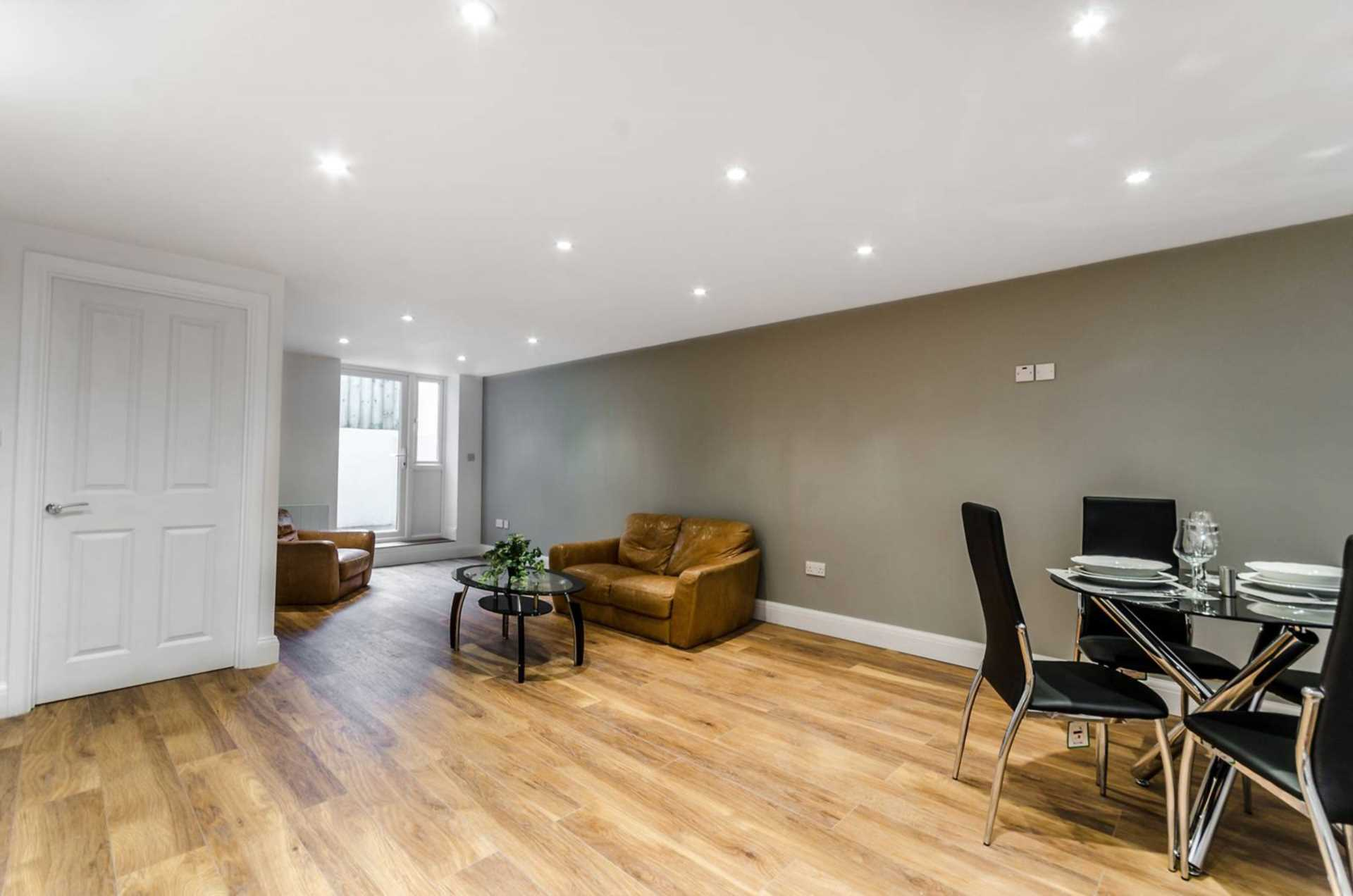 Flats And Apartments To Rent In London L2L128-1275