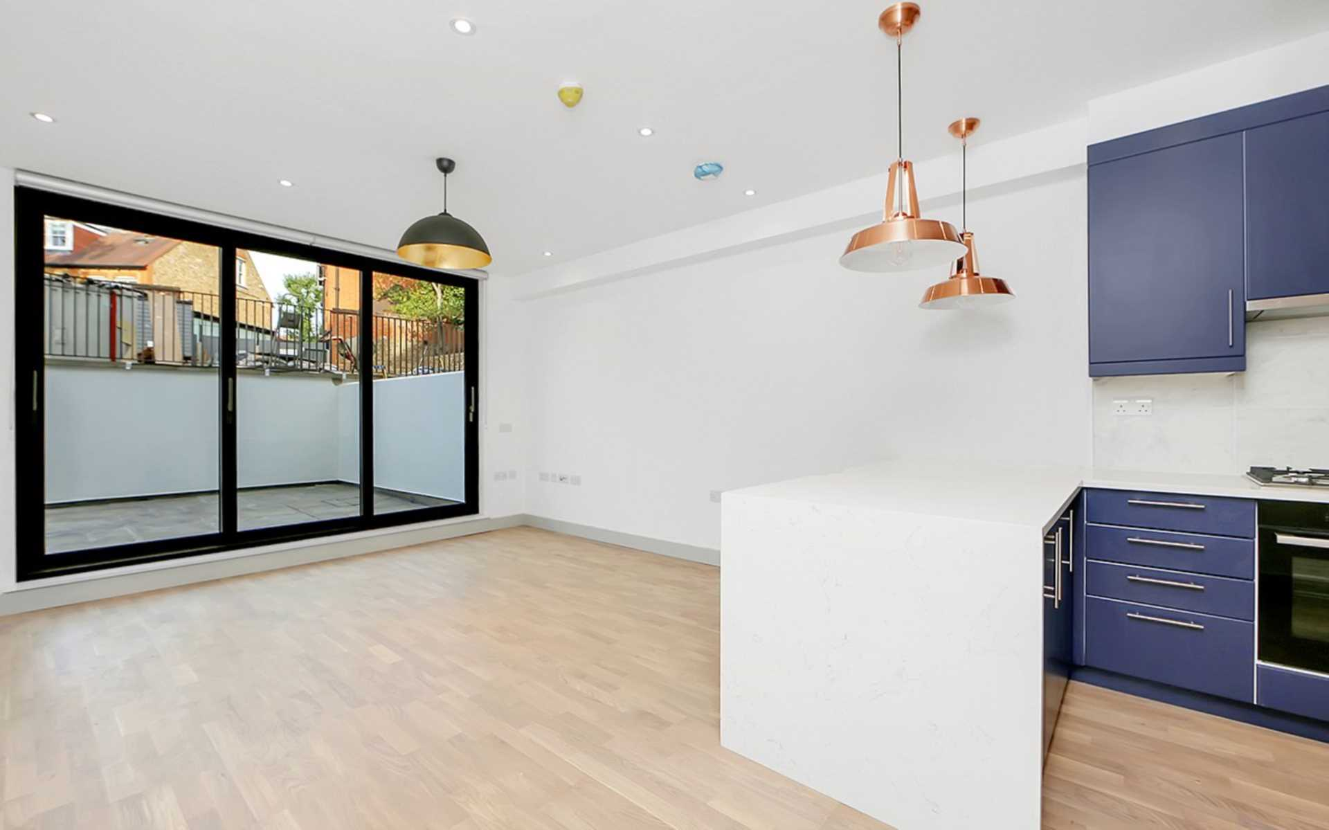 Property To Rent In London L2L128-1375