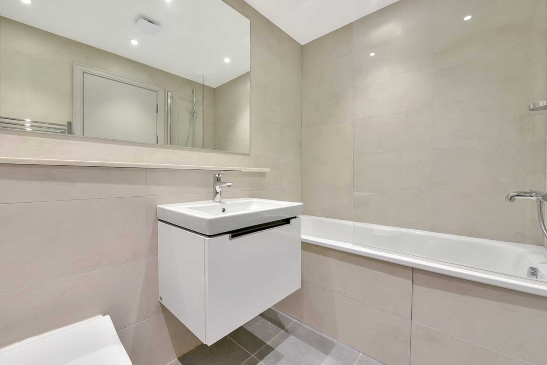 Flats And Apartments To Rent In London L2L128-1376