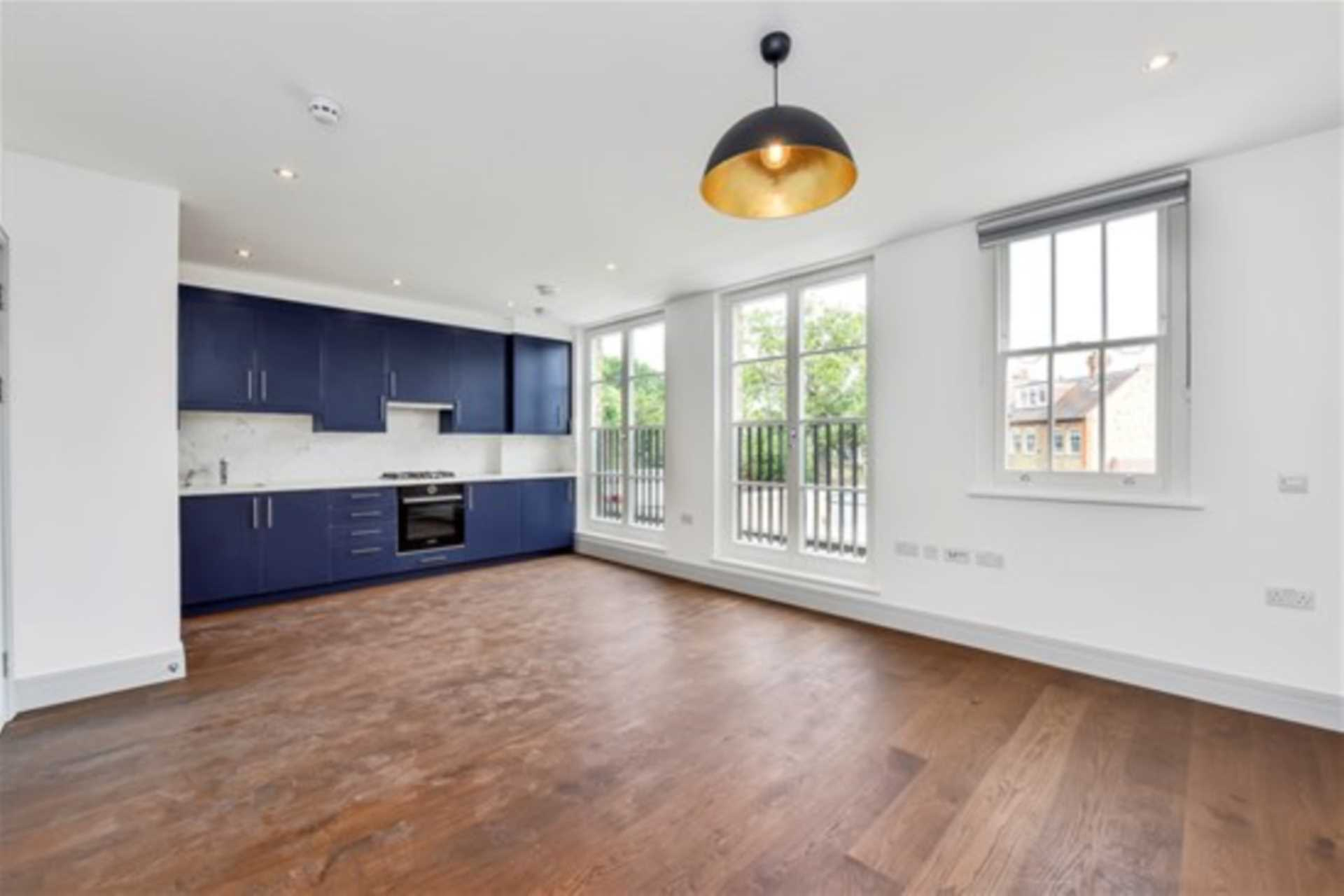 Flats And Apartments To Rent In London L2L128-1377