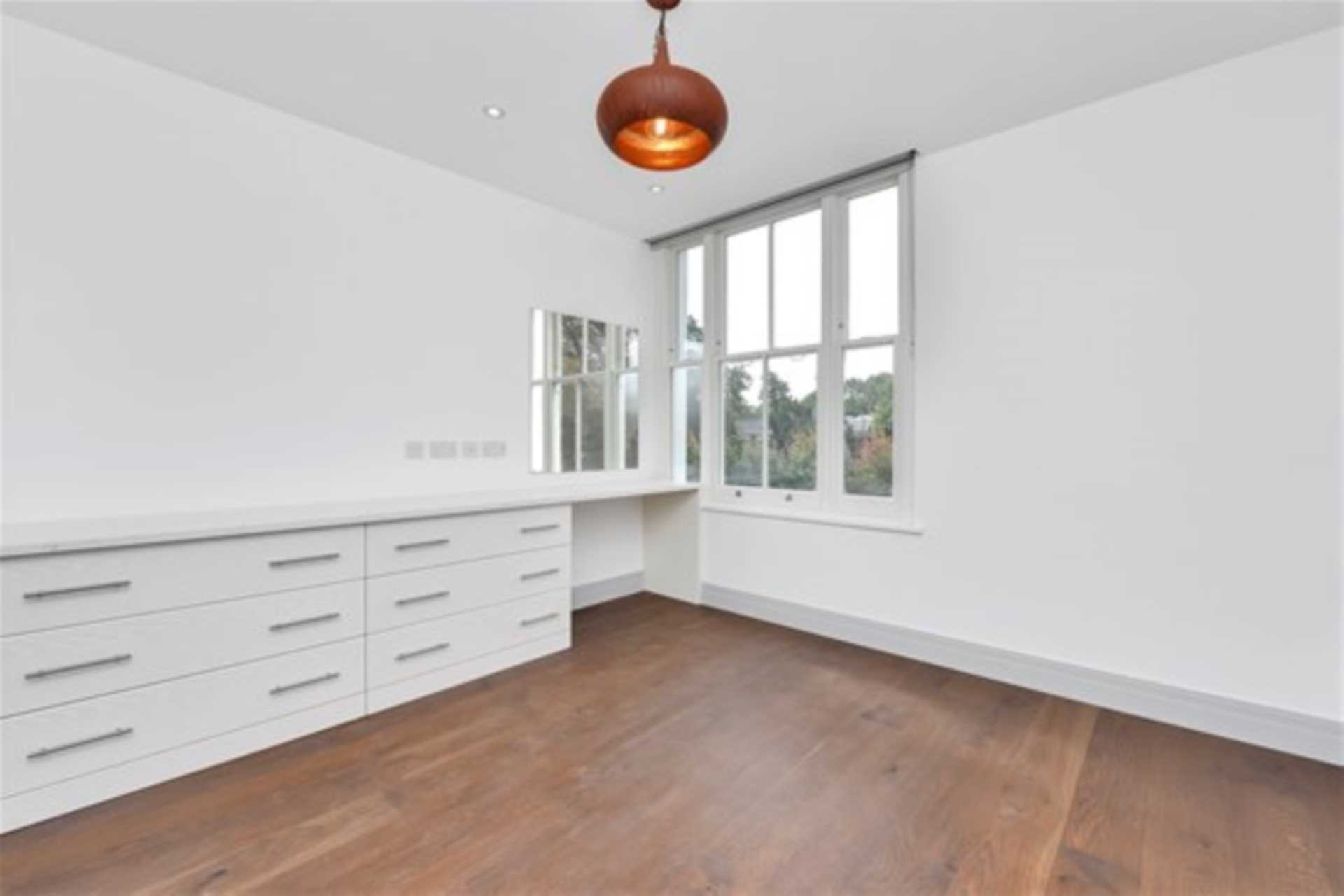 Flats And Apartments To Rent In South Ealing L2L128-1377