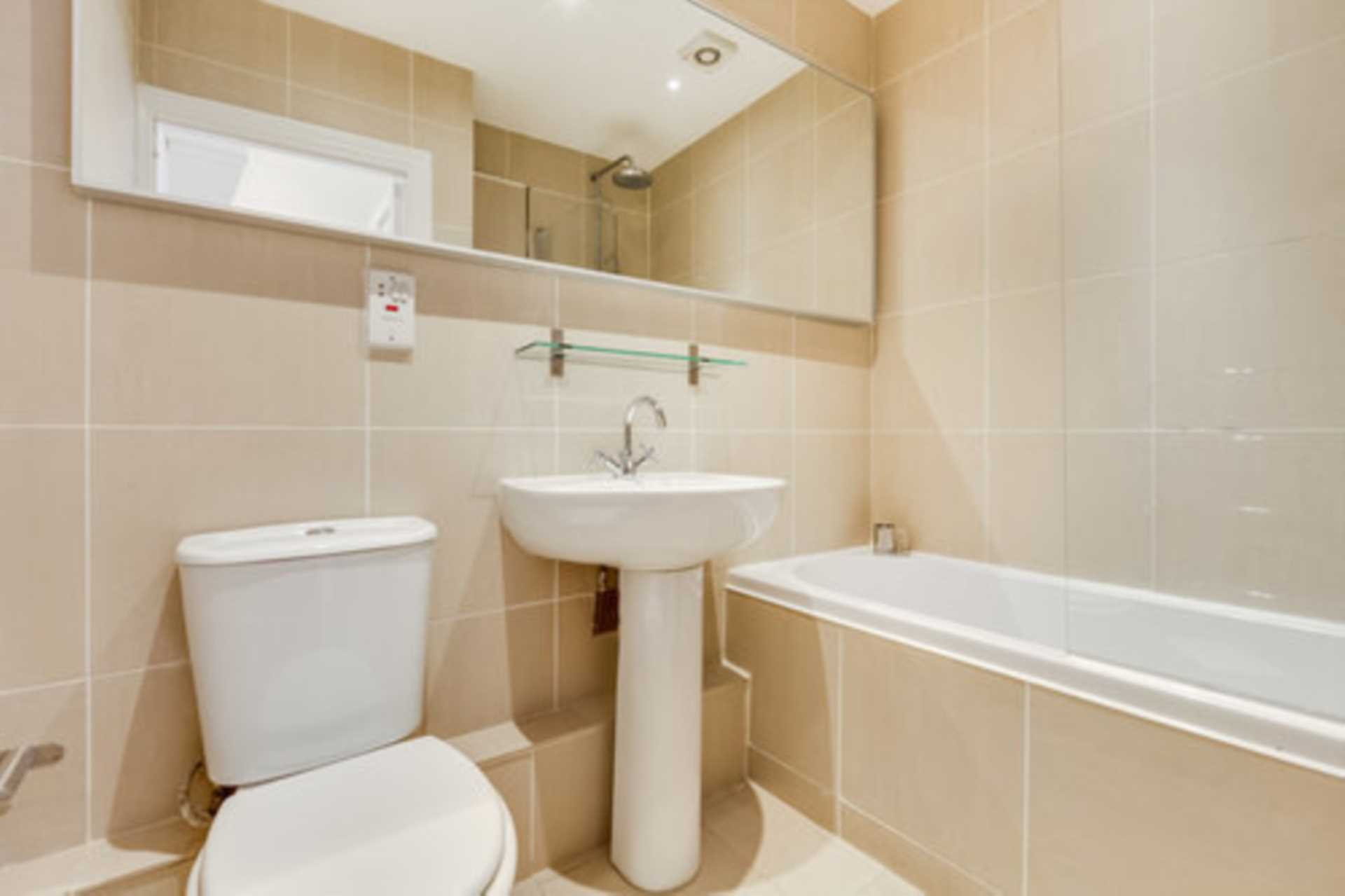 London Rental Property L2L128-1410