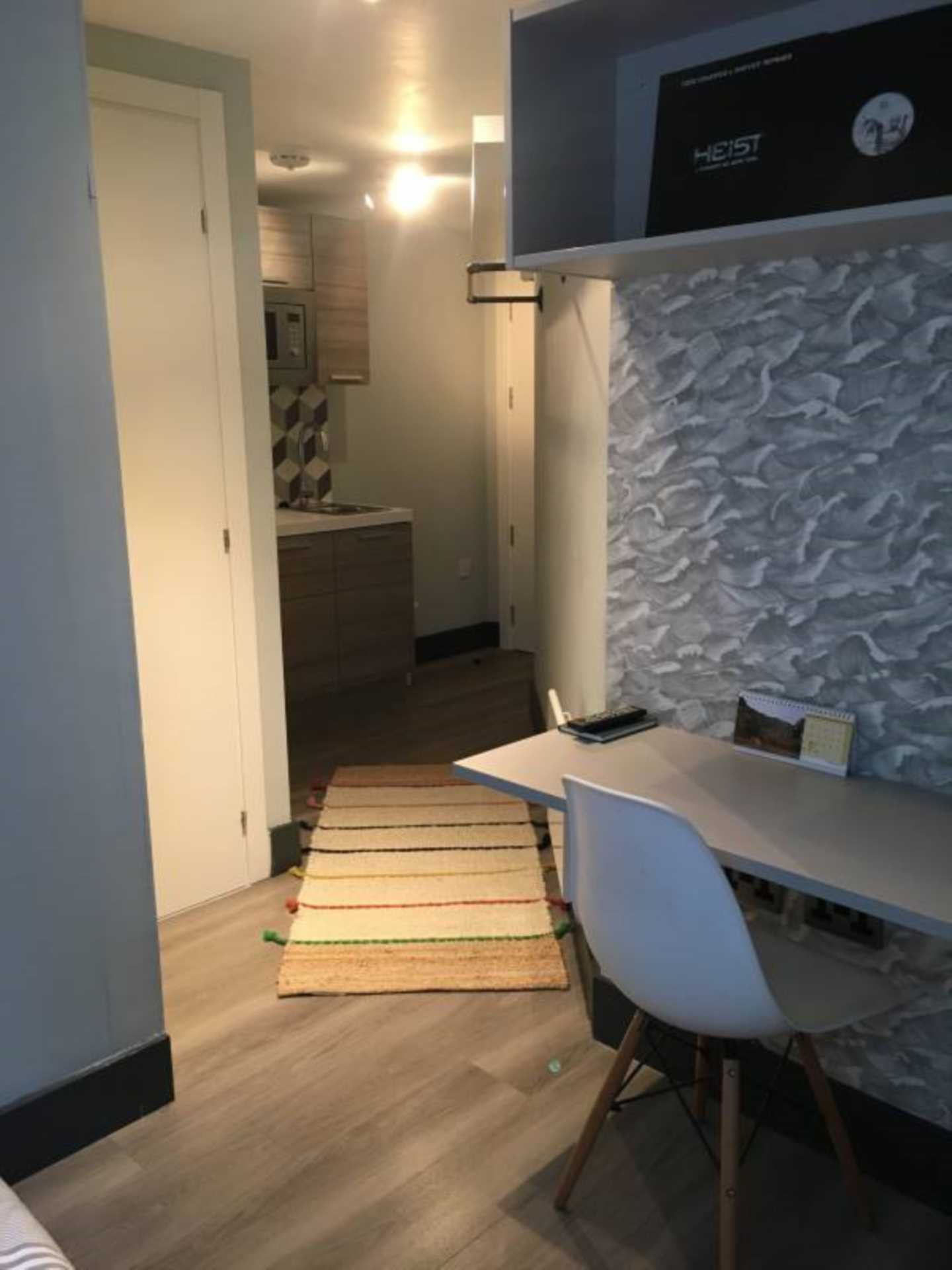 Rent In London L2L128-1423