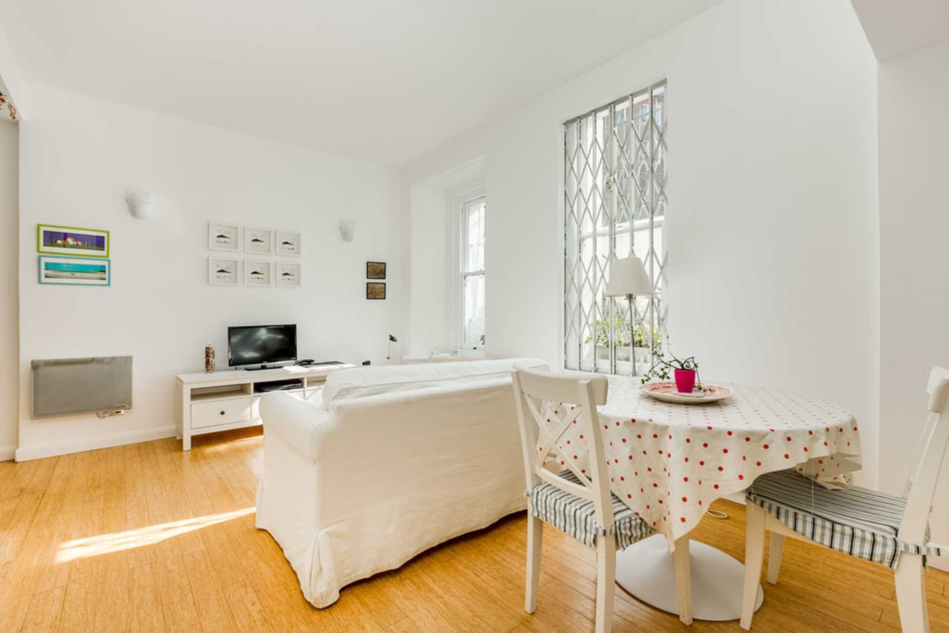 Flats And Apartments To Rent In London L2L128-1470