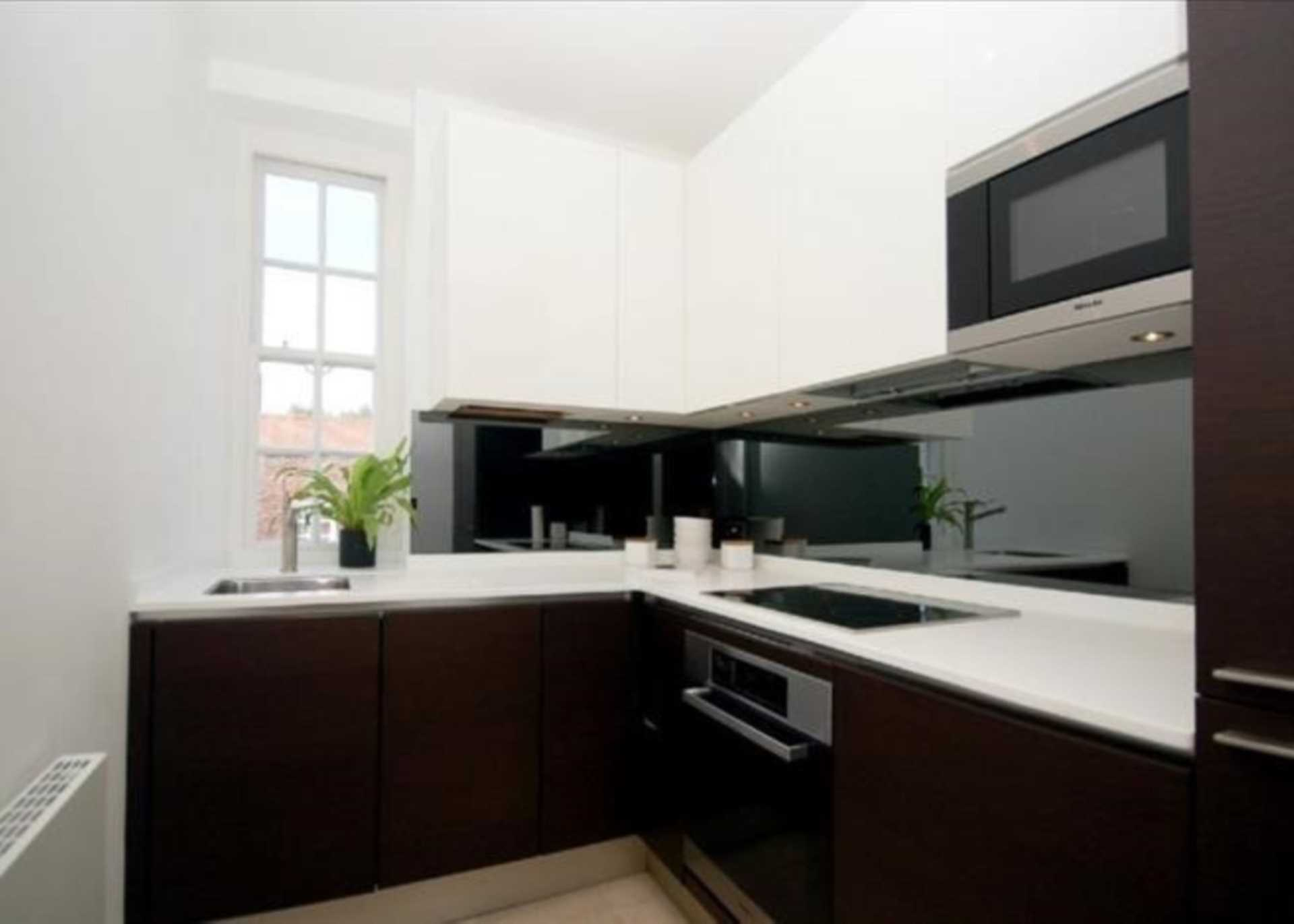 Property To Rent In London L2L128-1471